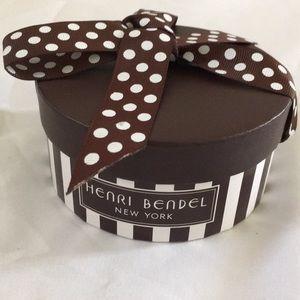 Rare Henri Bendel Round Giftbox